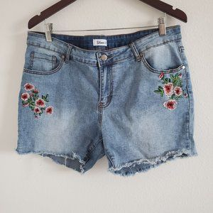 Between Us floral embroidered shorts
